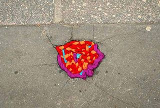Pot-hole-wool-art-3