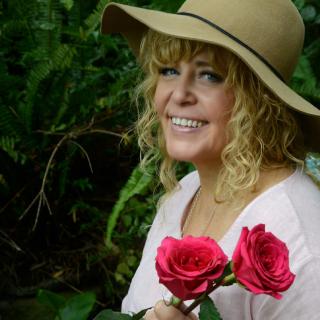 Cheralyn roses small